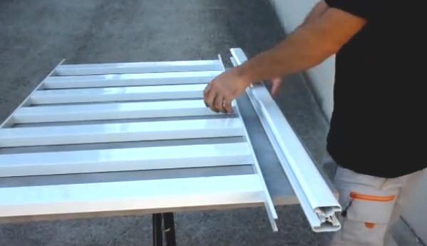 comment assembler une rampe aluminium. Black Bedroom Furniture Sets. Home Design Ideas